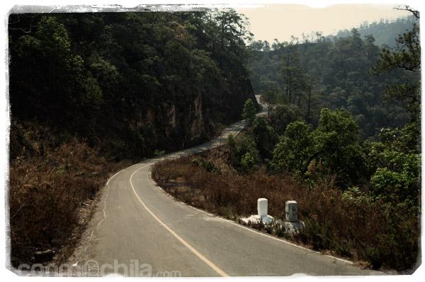 Una de las carreteras con asfalto