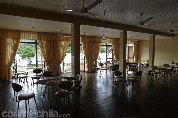 El amplio restaurante