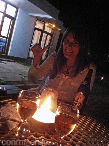 En el jardín por la noche