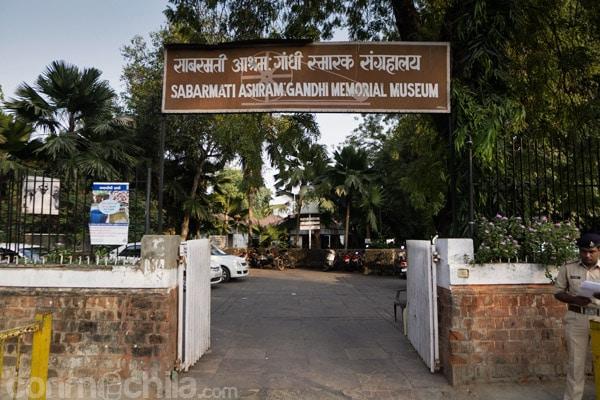 Entrada al Sabarmati Ashram