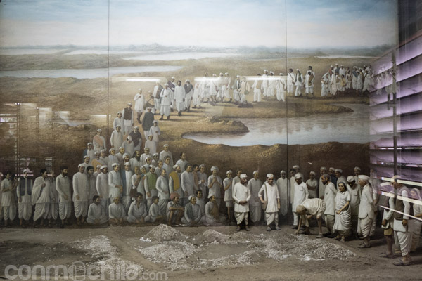 Otra pintura que recrea la marcha de la sal