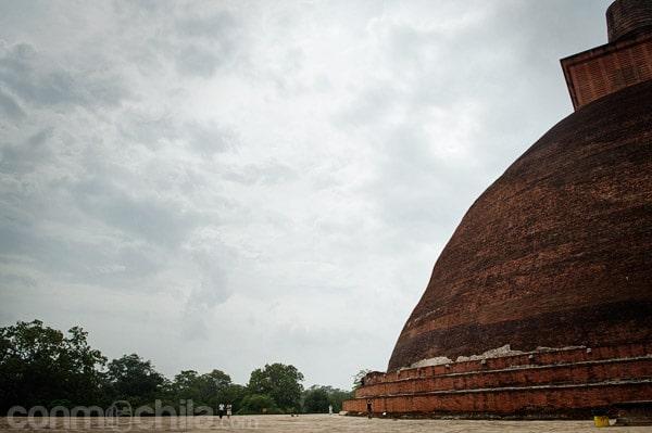 Detalle para darnos cuanta de la magnitud de la stupa