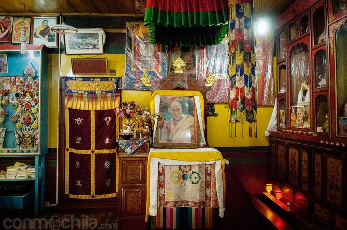 Templo con la imagen del Dalai Lama