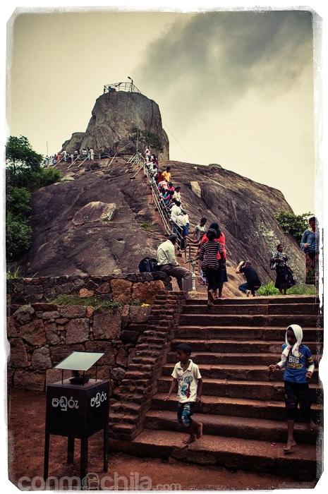 LA ruta hasta arriba de la piedra
