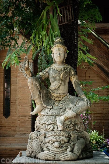 Otra estatua
