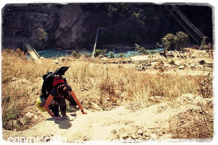 La primera subida-escalada del trekking
