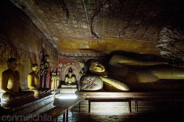La figura del Buda reclinado