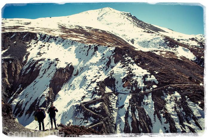 Uno de los caminos por los que fuimos entre nieve