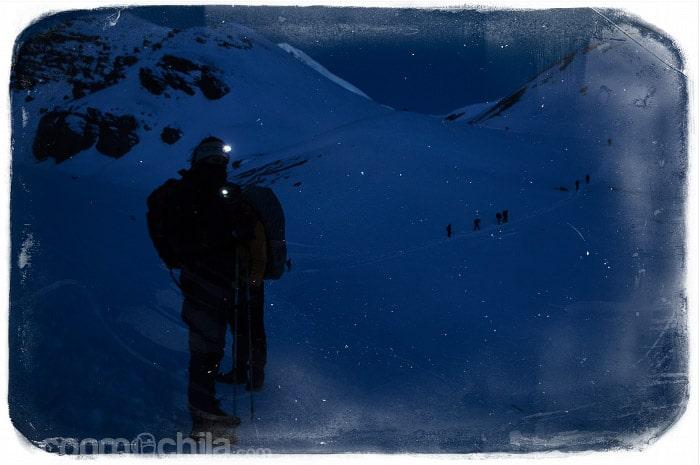 Saliendo de noche hacia el Thorong La Pass