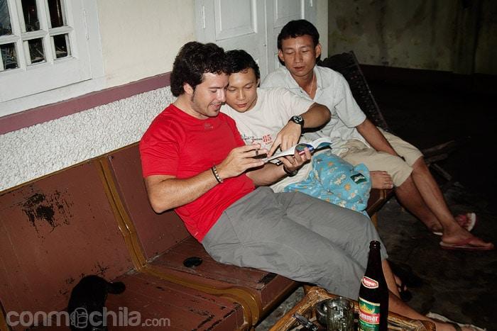 Haciendo amigos en Yangón