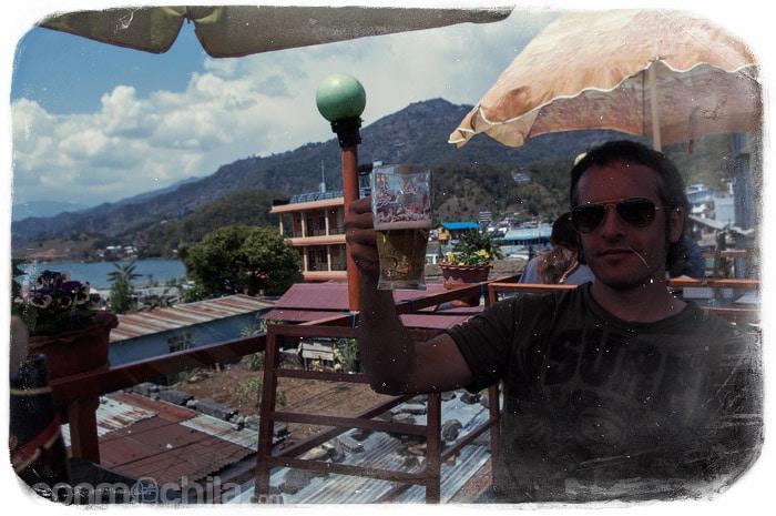 En un de los restaurantes de Pokhara