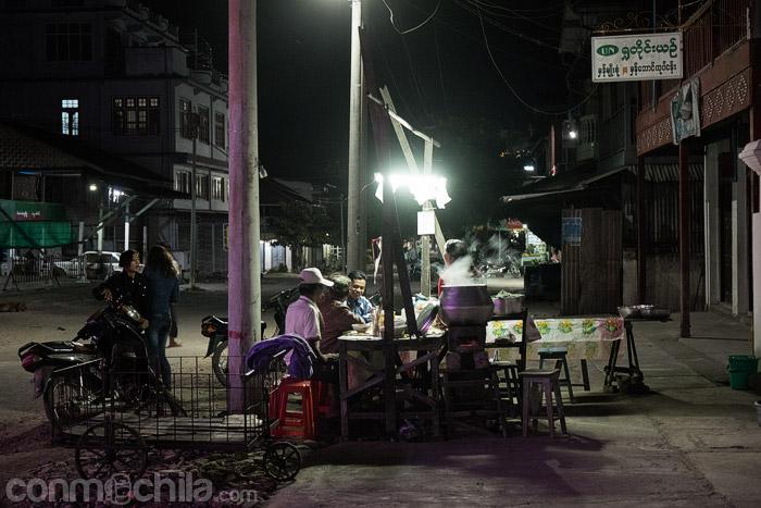 Otro de lo puestos de comida callejera