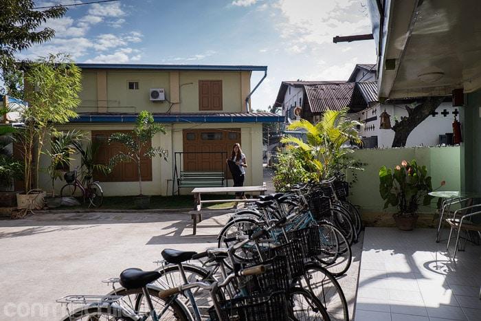 El patio que separa los dos edificios