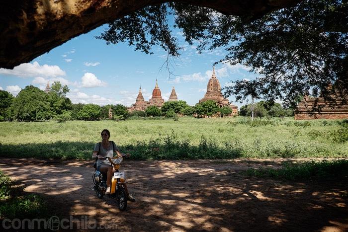 En bici eléctrica por los templos de Bagan