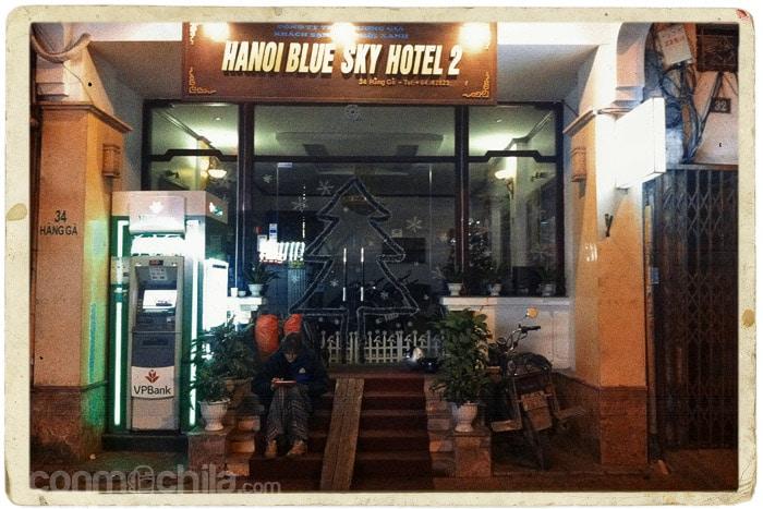 5 de la madrugada a las puertas del hotel de Hanoi