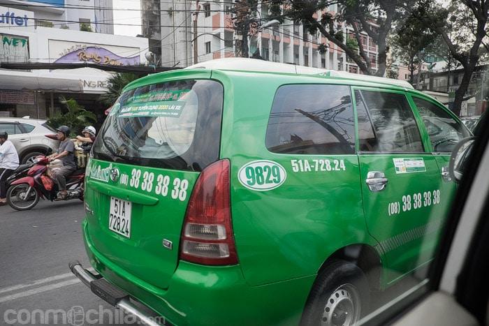 Taxi de la compañía Mai Linh
