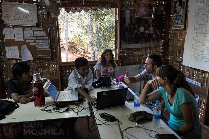 Hablando sobre Myanmar conHtike Thu Aung