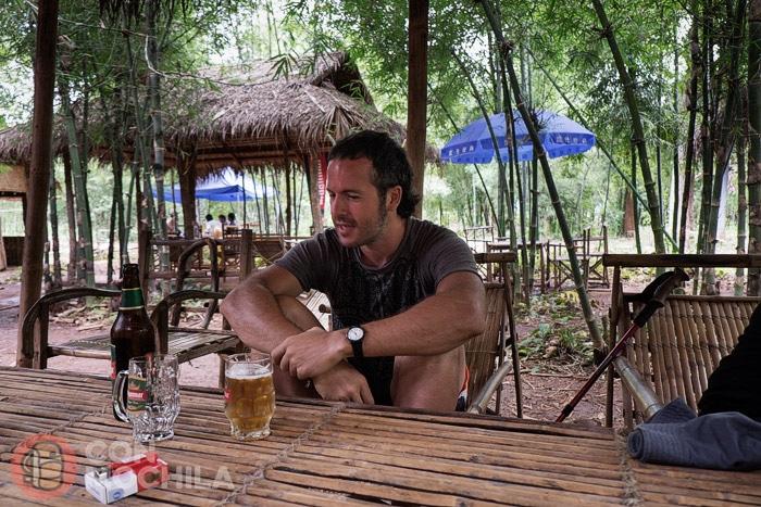 Toni y su birra