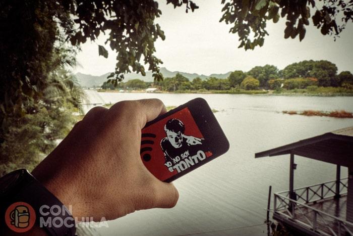 Disfrutando de internet a precio de risa al lado del río Kwai