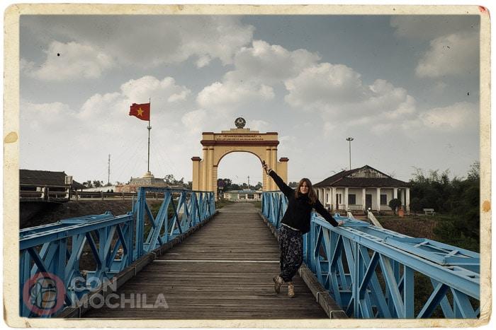 El puente Hien Luong