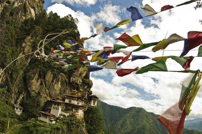 El mítico Nido del Tigre, en Paro, Bután