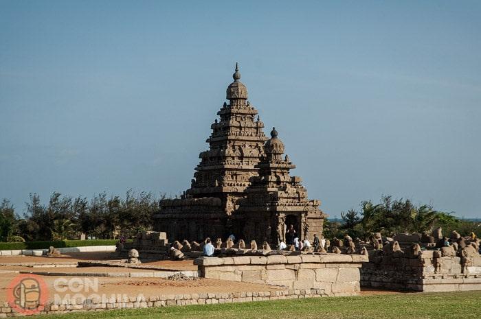 El templo de la orilla