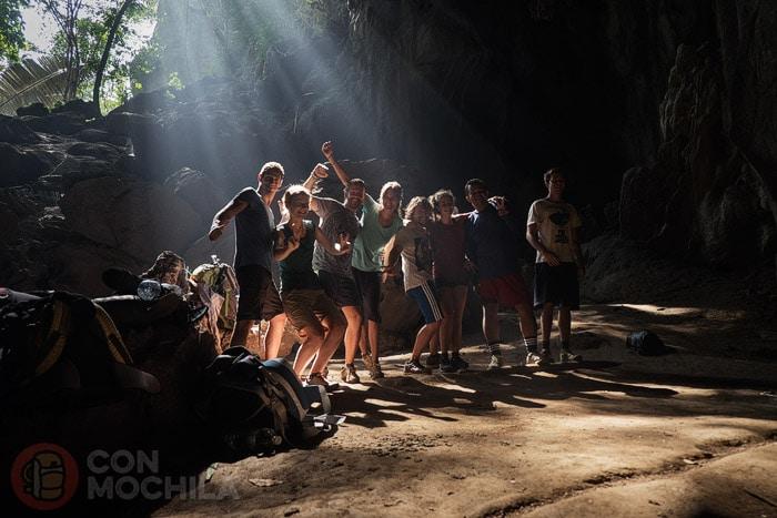 En la cueva con nuestros compañeros
