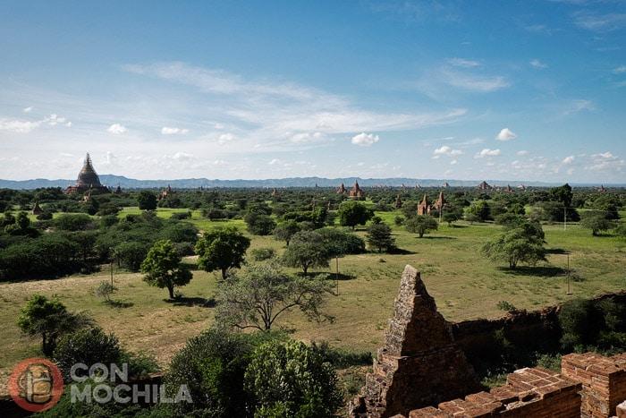 La típica escena de los templos de Bagan
