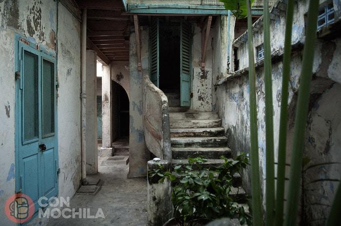 Una de las escaleras