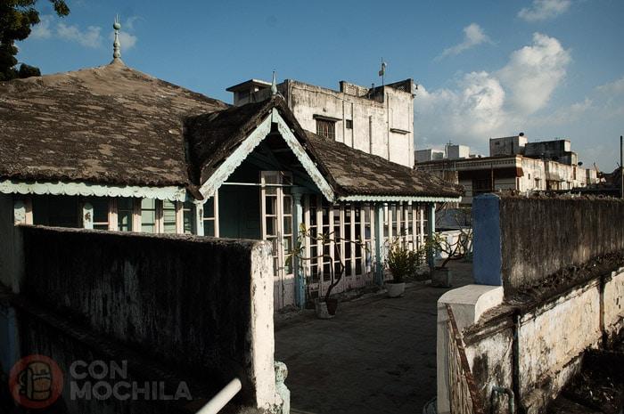 Una especie de terraza cubierta