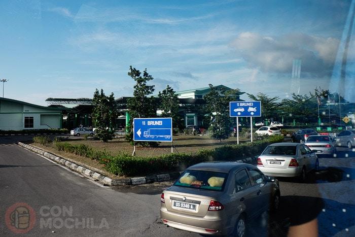 Llegada a la frontera Malasia - Brunéi