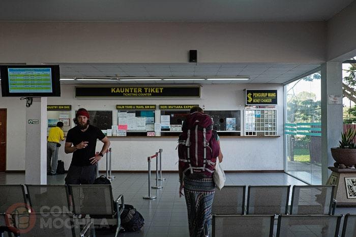 Oficina donde se compran los tickets del ferry