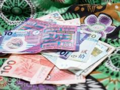 El Dólar de Hong Kong y consejos con los cajeros automáticos