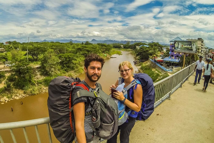 Cruzando la frontera terrestre desde Mae Sot