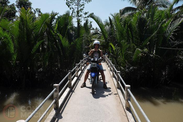 Uno de los cientos de puentes