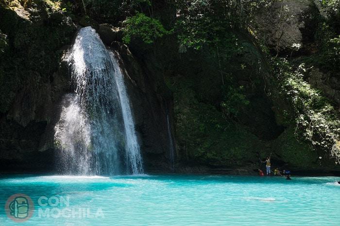 Kawasan falls: primer nivel visto desde abajo