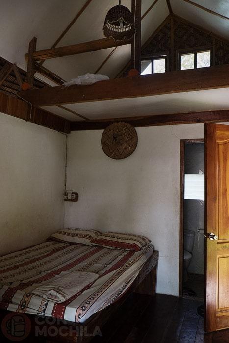 El interior de la cabaña