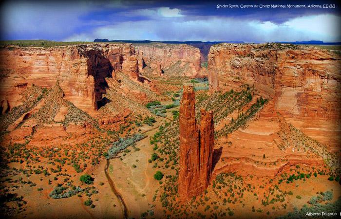 Spider Rock,en Canyon de Chelly National Monument. Una de las muchas visiones que te dejan sin palabras...