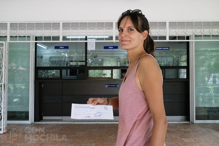 Sola a recoger el visado