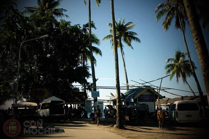 Playa desde donde salen los bangkas