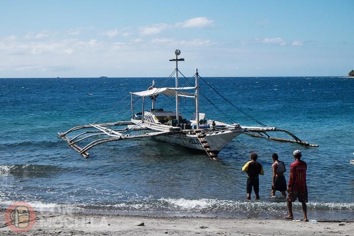 Nuestro bangka que nos llevará a Apo island
