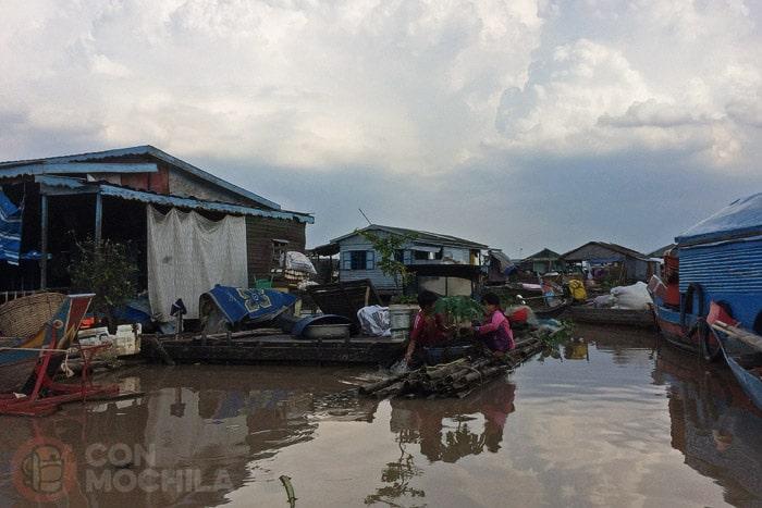 Las casas de los pueblos flotantes de Kampong Chhnang