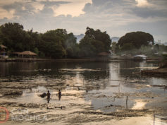 Kanchanaburi con mochila: historia, templos y naturaleza