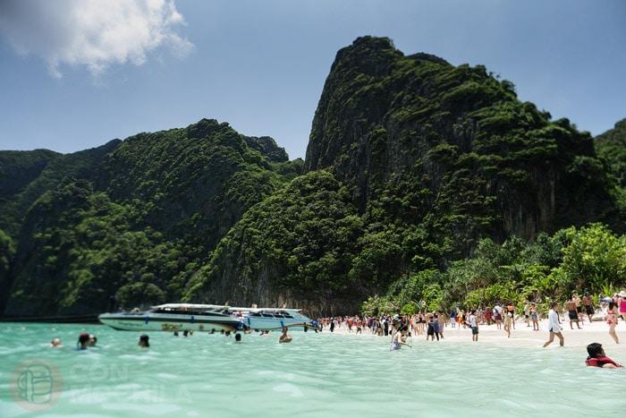"Maya Bay ""La playa"" totalmente masificada"
