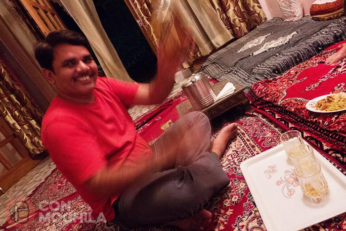 El simpático de KP, el propietario de la homestay de Jaipur