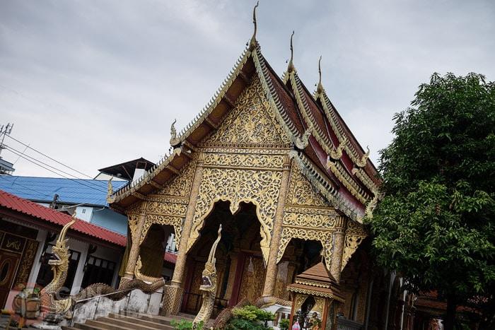Interior del recinto Wat Lam Chang