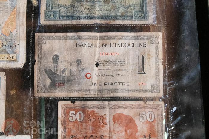 Unos billetes de la época colonial