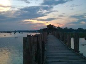El impresionante puente de teca U-Bein en Amarapura
