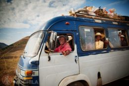 GUIA MADAGASCAR TAXI-BROUSSE