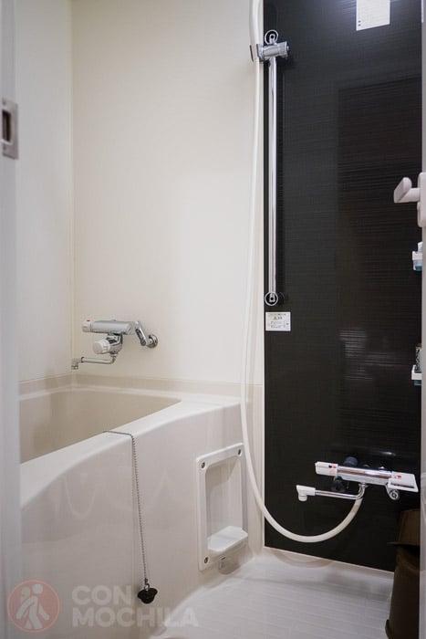 La ducha con bañera